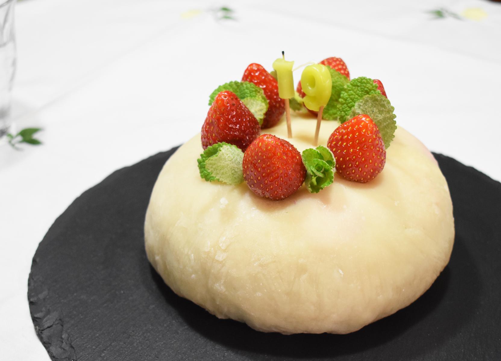 お誕生日ケーキ,餅ケーキ,大福ケーキ